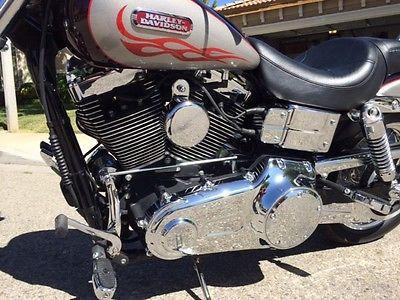 Harley-Davidson : Dyna Dana Wide Glide Harley Davidson 2007
