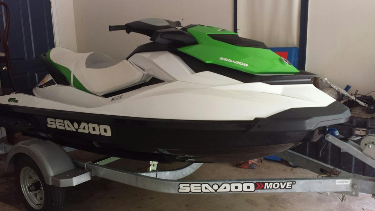 2000 Sea Ray 180 DC