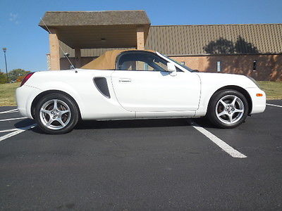 Toyota : MR2 Base 2001 toyota mr 2 spyder sports car convertible only 144 k miles best color combo