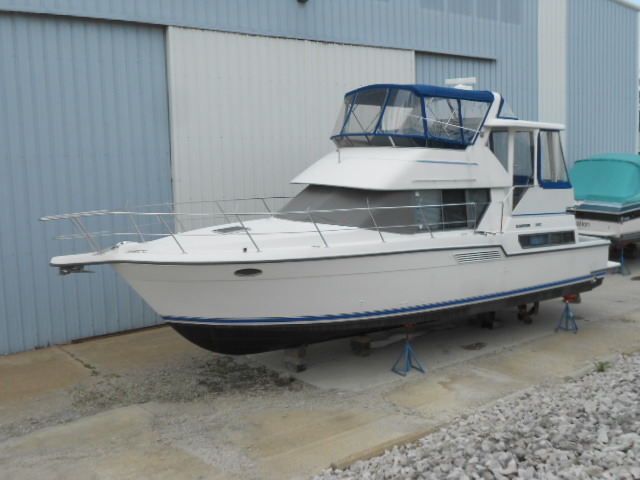 1994 Carver 390 Cockpit Motor Yacht