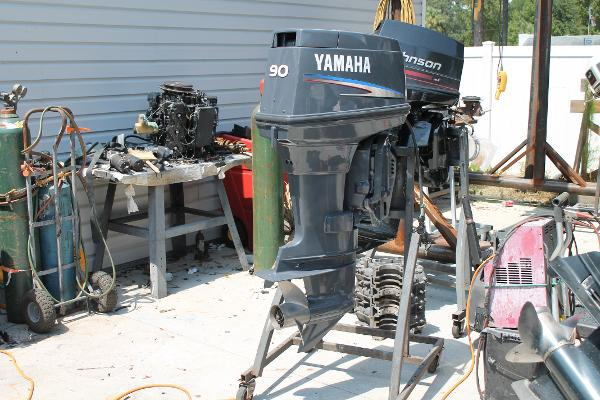 2006 YAMAHA 90 HP 2 STROKE Engine and Engine Accessories