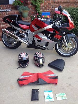 Suzuki : GSX-R 1998 suzuki gsxr 750 many extras adams extended swing arm 2 helmets very nice