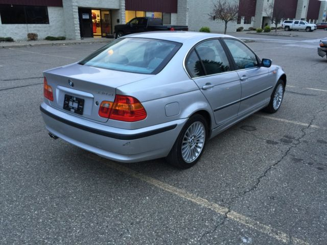 BMW : 3-Series 330xi 4dr Sd 2002 bmw 330 xi repairable rebuildable salvage wrecked fixer