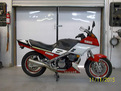 Yamaha : Other Red and white Yamaha FJ1200
