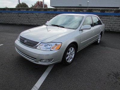 Toyota : Avalon 4dr Sedan XLS w/Bench Seat 4 dr sedan xls w bench seat automatic gasoline 3.0 l v 6 cyl lunar mist metallic