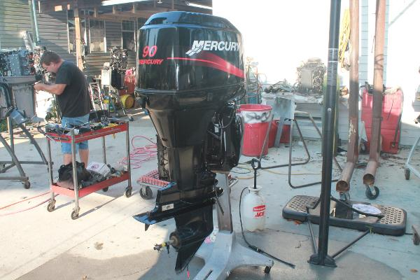 2005 MERCURY 90 HP 2 STROKE Engine and Engine Accessories