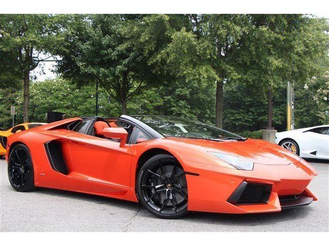 Lamborghini : Aventador Roadster -ROADSTER, EXT CF, INT CF, REAR CAM, AD PERSONAM INT, CONTRAST STITCHING, WOW!