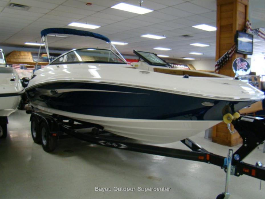 2015 Sea Ray 220 Sundeck (Blue/White)