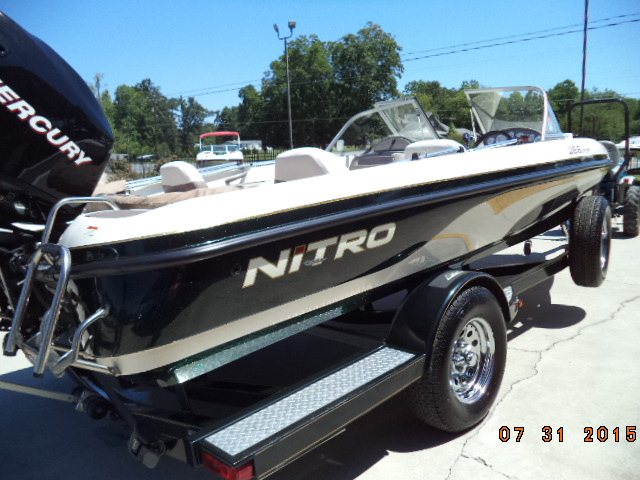 2006 Nitro 288 Sport