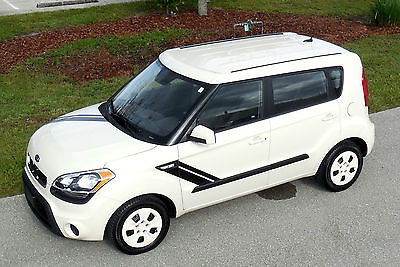 Kia : Soul CERTIFIED CARFAX 1 OWNER SPORT GRAPHIC EDITION RARE LOOK~Hatchback 4-Door 1.6L/ Manual 6-speed/AC/CD/MP3~FLORIDA CAR~13 14 15