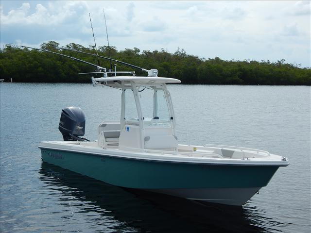 2012 EVERGLADES BOATS Fishing Boat 243CC