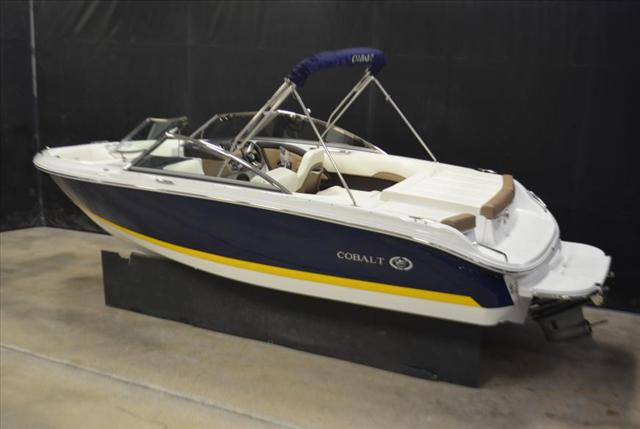 2015 COBALT BOATS 10 Series 200S