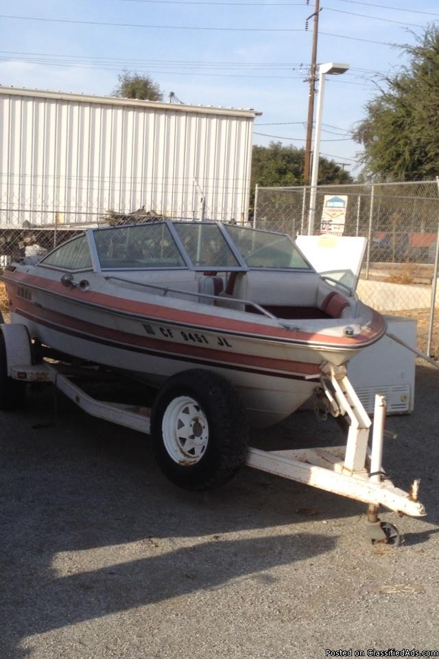 Boat needs restoration trailer good