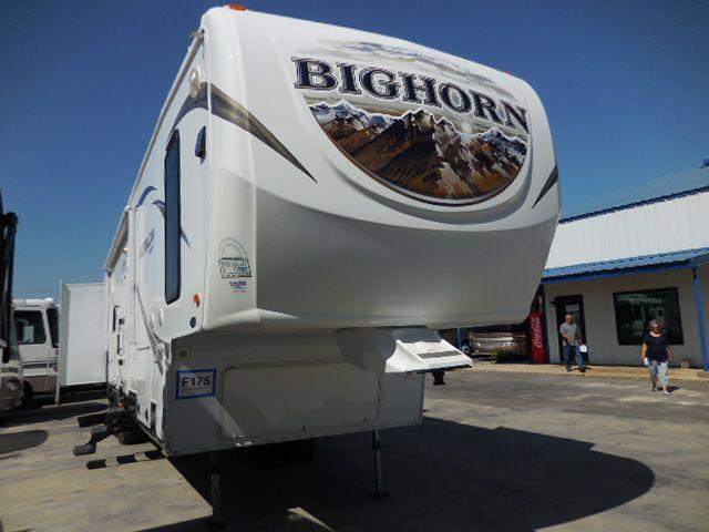 2013 Heartland/Bighorn Bighorn Silverado 37QB