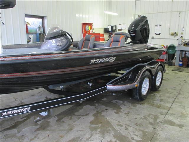 2015 Stratos Bass Boat 294 XL Evolution