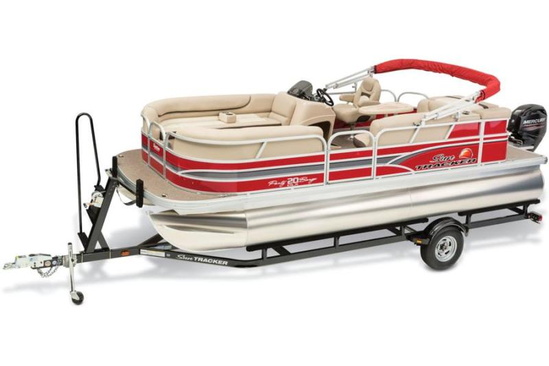 2015 SUNTRACKER Party Barge 20 DLX