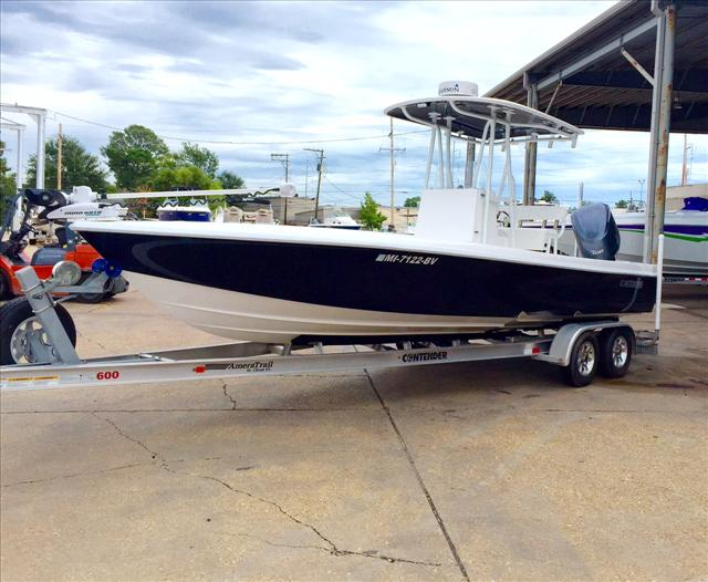 2014 Contender Fishing Boat 25 Bay