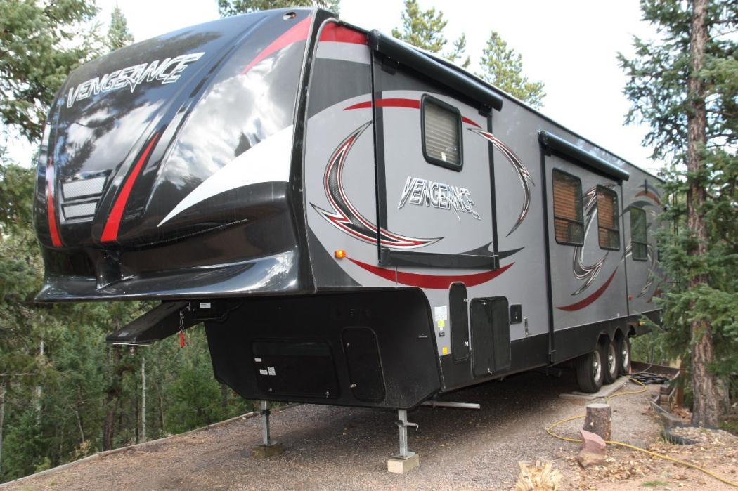 2007 Forest River Cherokee Wolf Pack 23WP