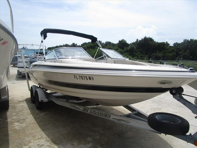 2004 Larson Runabout 210 LXI