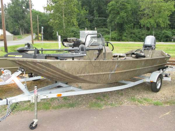 2015 G3 BOATS 1860CCJ Tunnel Hull Gator Tough