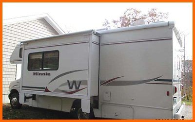 2004 Winnebago Minnie Winnie WF24F 24.7 Class C RV Gasoline Slide Out Generator
