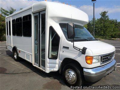2007 Ford E450 Wheelchair Shuttle Bus (A4673)