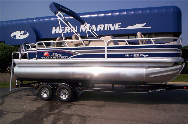 2015 Sun Tracker Fishing Fishin Barge 22 DLX