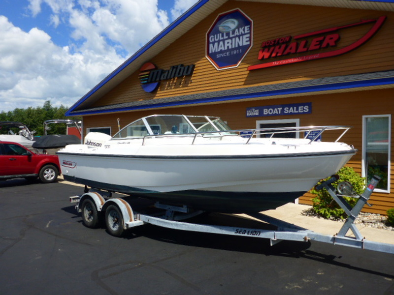 1996 Boston Whaler 20 Dauntless Dual Console