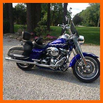 Harley-Davidson : Other 2007 harley davidson cvo road king rare blue color backrest extra seats indiana