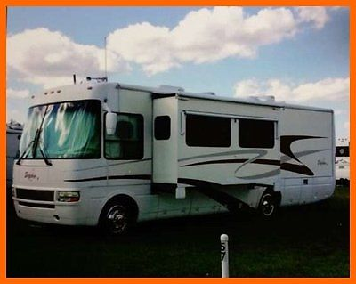 2003 National Dolphin 6320 32' Class A 8.1L Workhorse 2 Slides Blue Ox Hitch TV