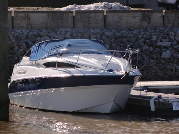 2005 Bayliner 245 SB Cruiser