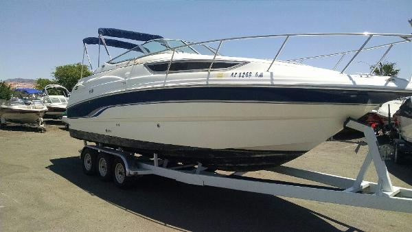 2000  Chaparral  260 Signature Cabin Cruiser