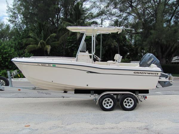 2008 Grady White 209 Escape Center Console