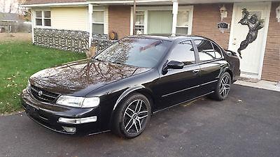 Nissan : Maxima SE 1998 nissan maxima se black on black 5 spd nice look price reduced