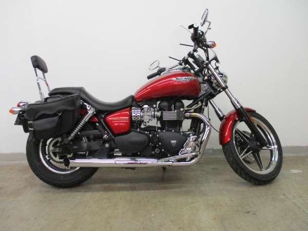 Triumph : Other 2012 cruiser used 865 5 speed red cruiser bagger exhaust