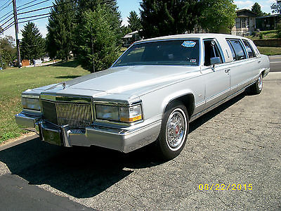 Cadillac : Brougham Limo 23 silver 1990 cadillac brougham limo sedan only 34 348 miles