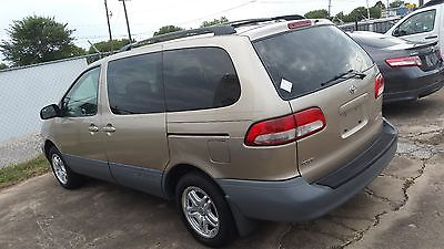 Toyota : Sienna CLEAN VAN, RUNS AND DRIVES VERY WELL, AC COOLS VERY WELL, ALLOY WHELL