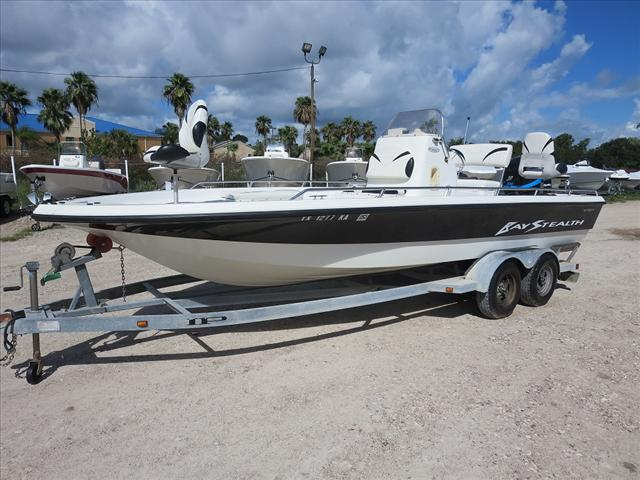 2004 Bay Stealth Bay Boat 2230BSVL
