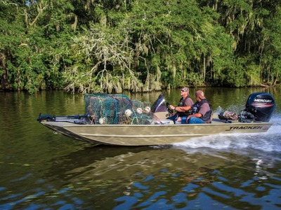 2015 TRACKER BOATS GRIZZLY 1860 MVX SC