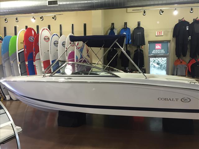 2015 COBALT BOATS 10 Series 220