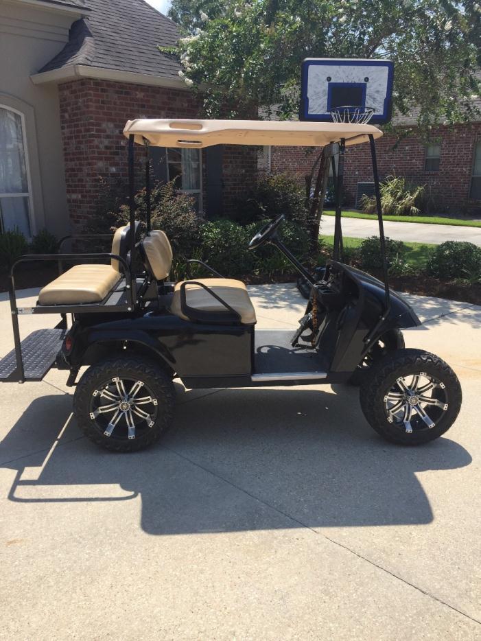 2010 E-Z-Go Golf Cart