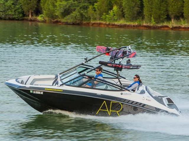 2015 YAMAHA BOATS 19 FT AR192