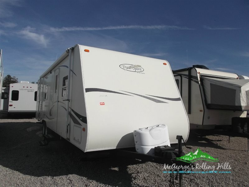 2014 R-Vision Trail-Lite Crossover 200S
