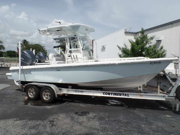 2011 EVERGLADES BOATS 223cc