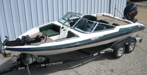 1999 Stratos 290 SF Intruder fish & ski