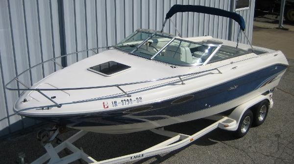 1996 Sea Ray 230 Overnighter