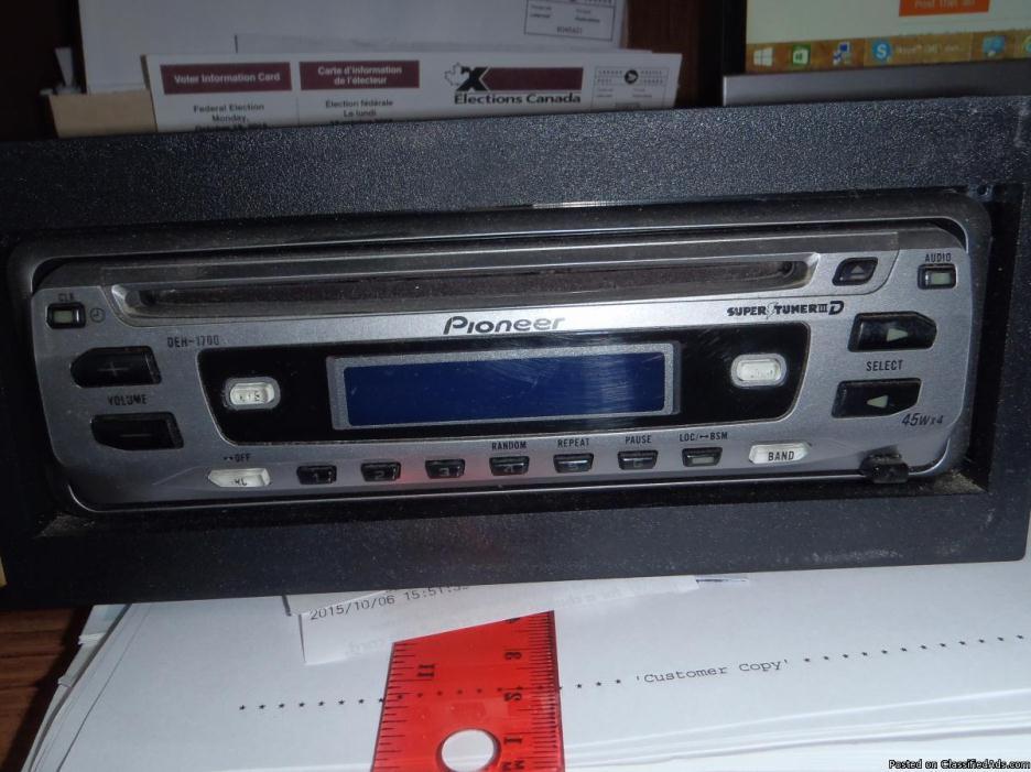 Pioneer CD Stereo