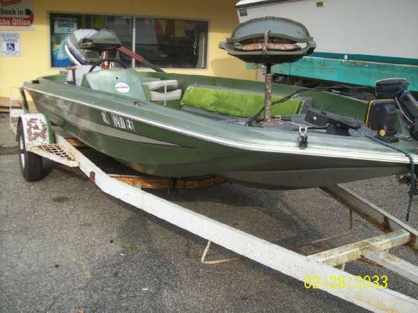 1978  Hydra-Sports Custom  1700 Hydra Sports Bass Boat Evinrude 85