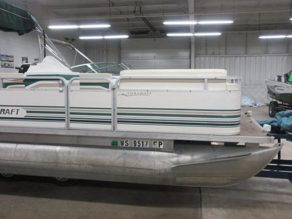 1998 Smoker Craft 818 Sun Sport