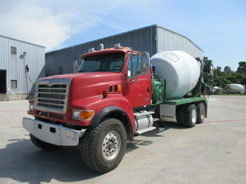 2004 Sterling L9500  Mixer Truck